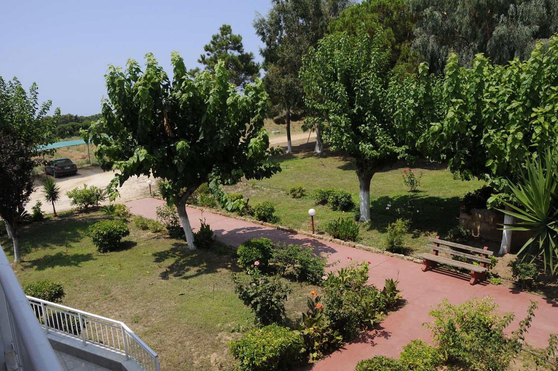 inside_garden_4